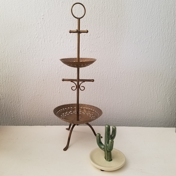 Anthropologie   Metal Jewelry Storage Stand